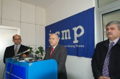 Mr. Inzko speaks at a press conference in ICMP Identification Coordination Division (ICD) in Tuzla.