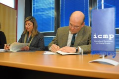 Swedish Ambassador to Bosnia and Herzegovina Mr. Bosse Hedberg and ICMP Director General Kathryne Bomberger sign the donation agreement