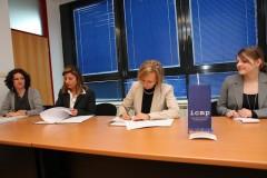 Ambasadorica Njemačke u Bosni i Hercegovini, Ulrike Maria Knotz, danas je u sjedištu ICMP-a u Sarajevu potpisala sporazum o donaciji sa generalnom direktoricom ICMP-a, Kathryne Bomberger