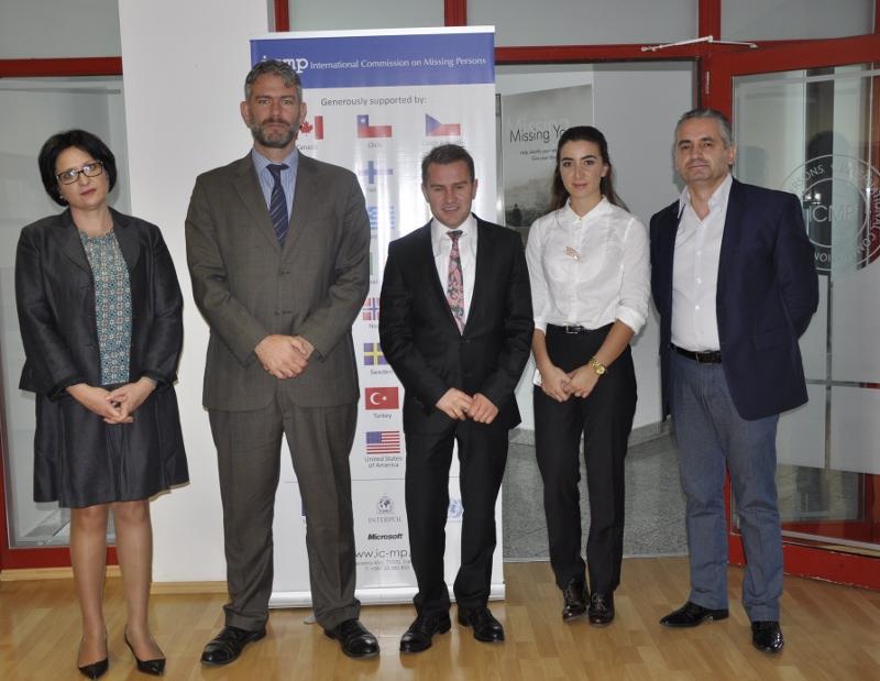 Albanian delegation 2 (800x619)