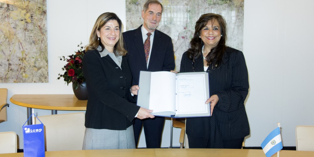 ICMP Director-General Kathryne Bomberger, El Salvador Ambassador to the Netherlands Aida Luz Santos de Escobar, and Head of the Treaties Division of the Ministry of Foreign Affairs of the Netherlands  J. Damoiseaux at the Signing of the Agreement on the Status and Functions of the International Commission on Missing Persons (ICMP)